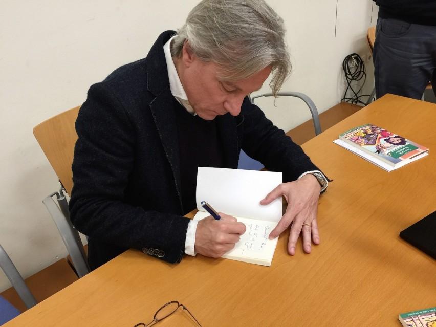 Es presenta el llibre 'Una caca de pessebre', guanyador del Premi Xaro Vidal